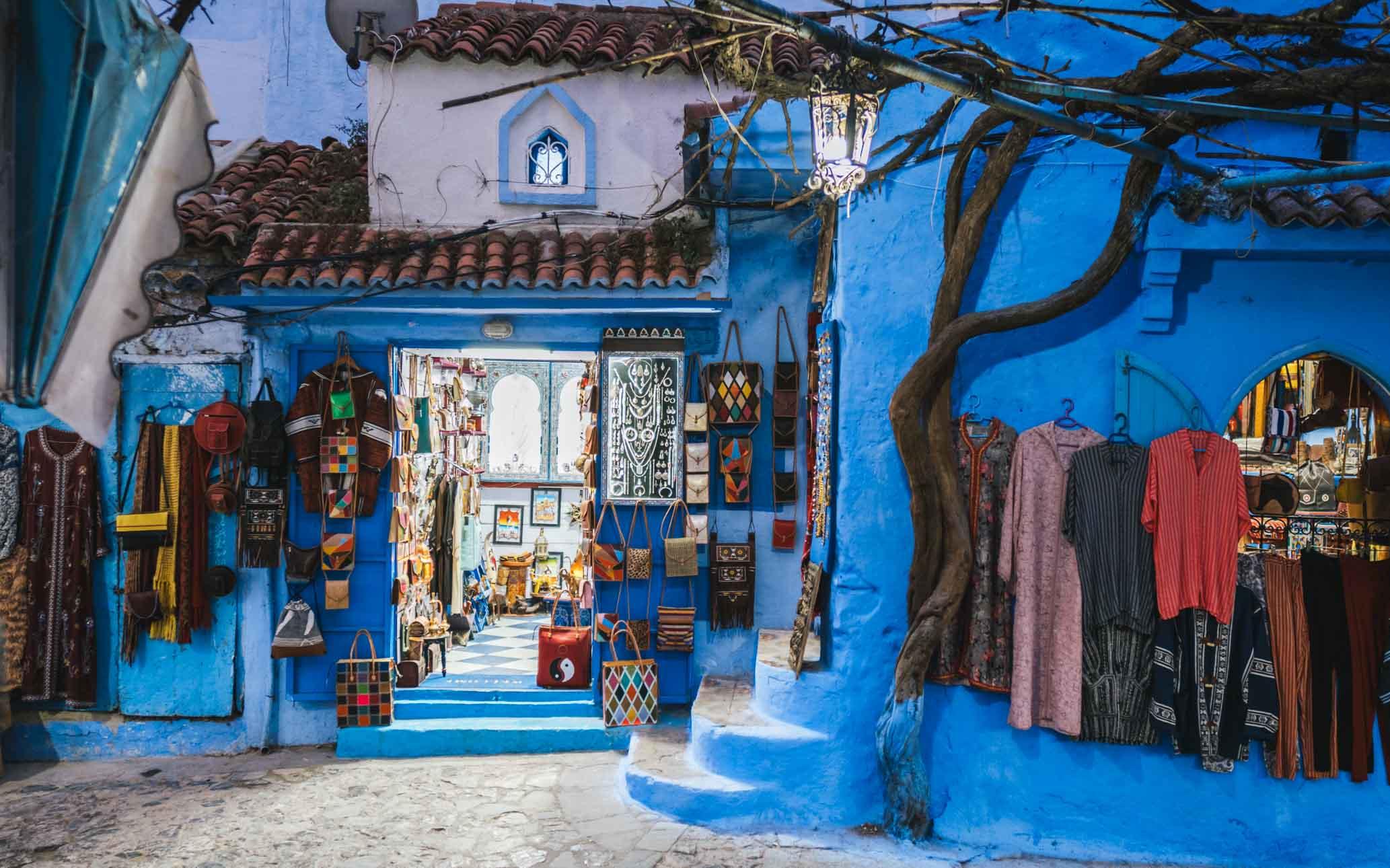 boutique de souvenir à Chefchaouen Maroc - Nomade Amoureux