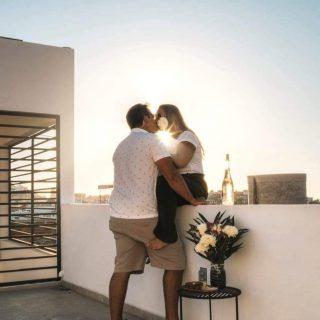 💞 Joyeuse St-Valentin à tous les amoureux et les amoureuses 💞   ✨On vous souhaite que votre St-Valentin dure 365 jours par année ! Que chaque moment auprès de l'amour soit spécial! Que l'année de St-Valentin soit fait de fou rire, de tape amoureuse sur les fesses, de complicité partagée et surtout de folie ! Même après plus de 14 ans 🥰💕  Bon 14 février à tous 🌸 . . . . . . . . #mazatlan #couplegoals #couple #couplephotography #loveislove #loveislove #expats #expatlife #expatliving #mybestfriend #mexico #mexico🇲🇽 #voyage #meilleurevie #valentines #amour #sinaloa #happy #canadiens #expatrié #viveautrement #travelgram #blogger #winelover
