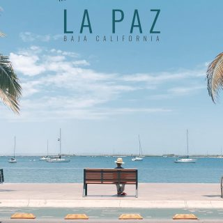 """🌵Bienvenido à La Paz, Baja California Sur 🐋  🇲🇽 HOME SWEET HOME ! On avait déjà entendu parler de La Paz sur la péninsule de la Bahià, mais surtout pour la station balnéaire de Cabos San Lucas. Après avoir poussé nos recherches, lire sur le sujet, et parler avec des personnes qui y sont venues, notre décision se confirmait. 🚨 Je vous remets en contexte : du jour 1 de notre demande de résidence au Mexique au jour de notre déménagement dans notre prochaine ville, il s'est écoulé 4 jours. 🤪😂 Je pense que c'est pas une démarche """"normale"""" !!!!   Avez-vous déjà pensé vous expatrier dans un autre pays ? Si oui, où?   ———————————————————  #expatlife#expat#expatliving#travellater#staysafe#bcs#bajacaliforniasur #lapaz#mexique🇲🇽#couplegoals#digital#nomadlife#nomad#nomadenumérique#digitalnomad#bestlife#staypositive #happyme#vivreautrement #livenom #globetrotters #travelinspiration #visitmexico #visitbcs #canadianexpat #expatblogger"""